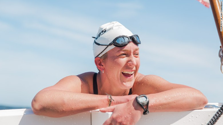 Kim Chambers completes Farallones to Golden Gate Bridge swim with Timex