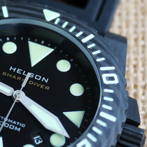 Helson-Shark-Diver-Forged-Carbon close up