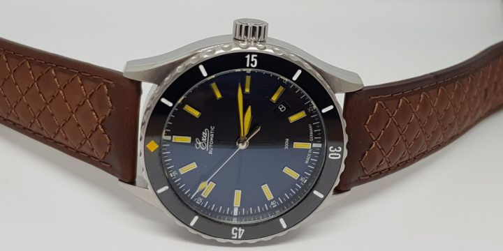 Review – EZA Sealander Black Watch